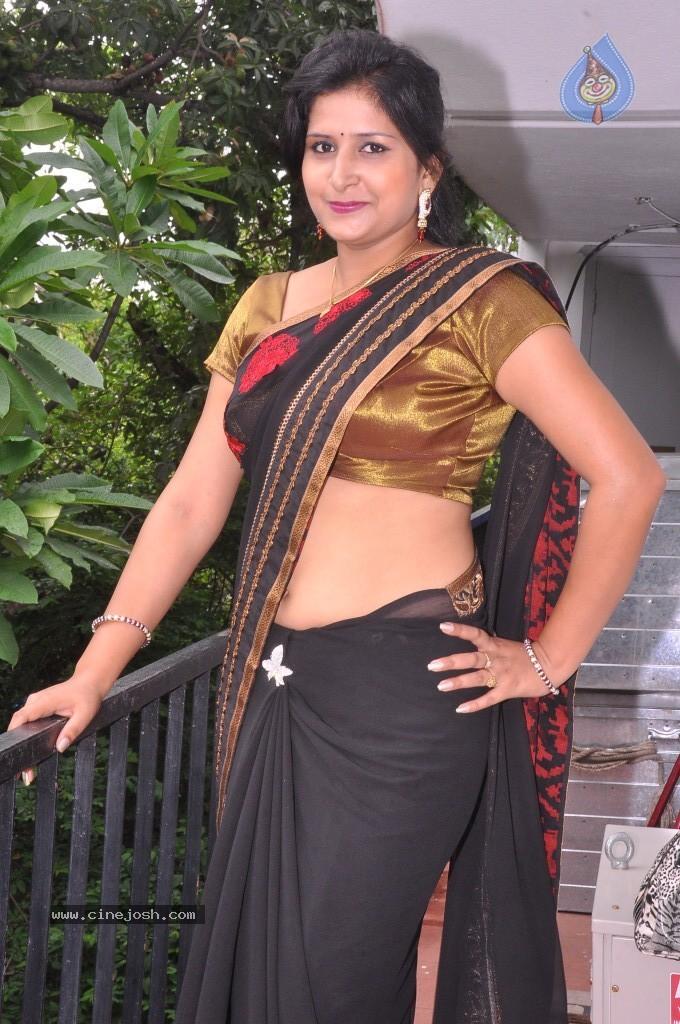 Hot tamil nadigai kushboo sex photos