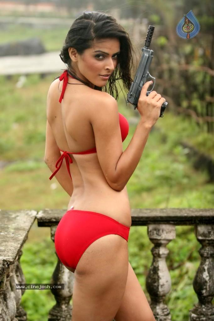 Hot Bikini Shots