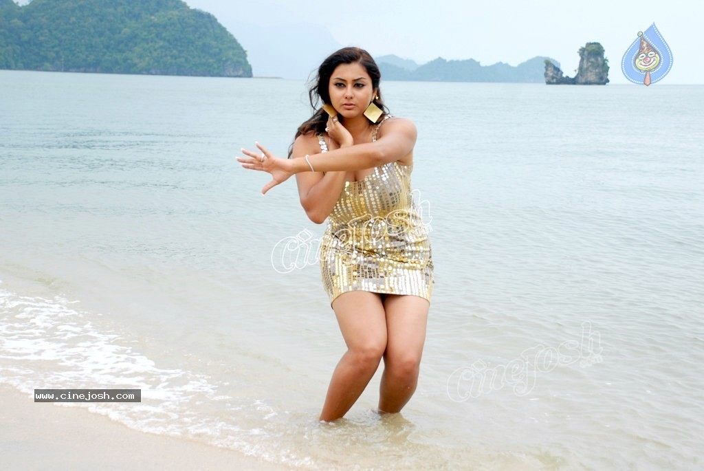 Namitha New Spicy Gallery - 11 / 60 photos