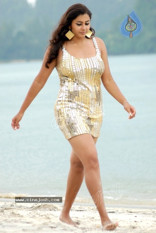 Namitha New Spicy Gallery - 18 / 60