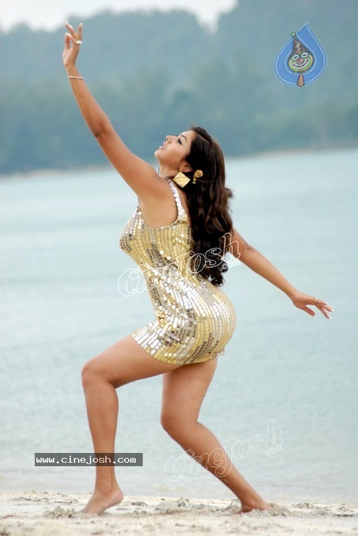 Namitha New Spicy Gallery - 44 / 60 photos