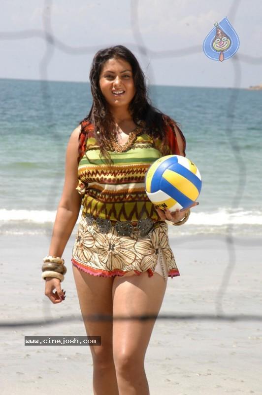 namitha spicy bikini pics   photo 6 of 115