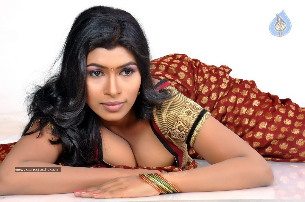 Opinion. Hot south indian actress cleavage