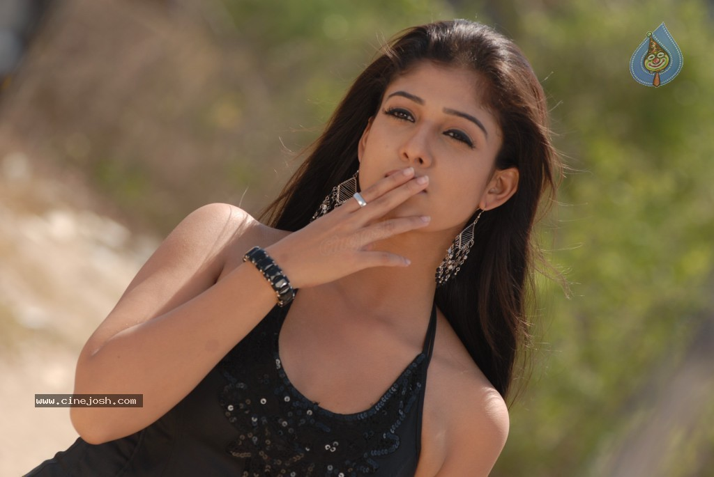 Nayanthara New Hot Stills - 3 / 80 photos