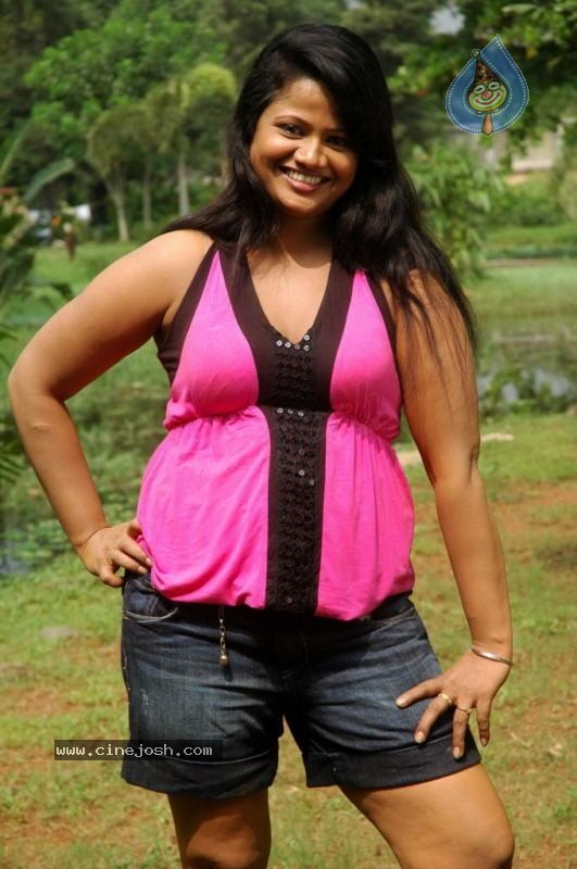 Oru-Santhipil-Tamil-Full-Movie-Download Free Videos