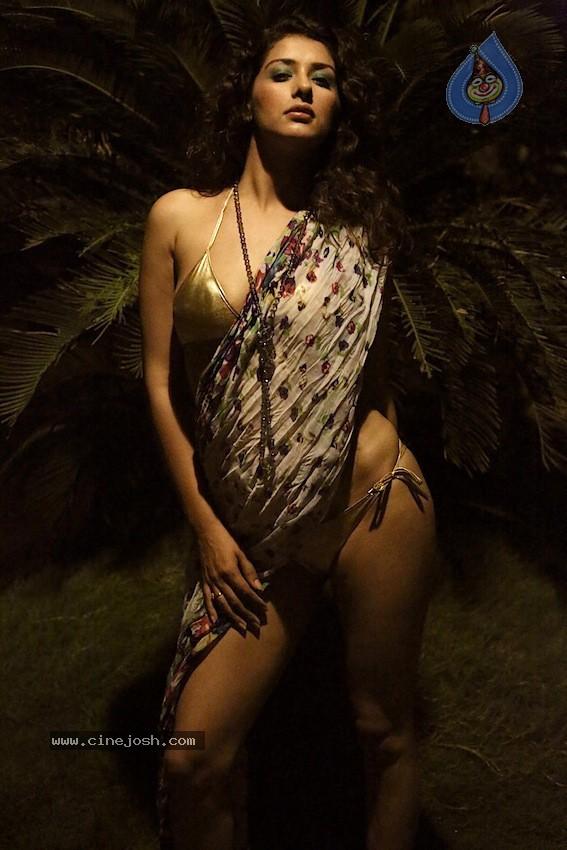 bruna marquezine nude