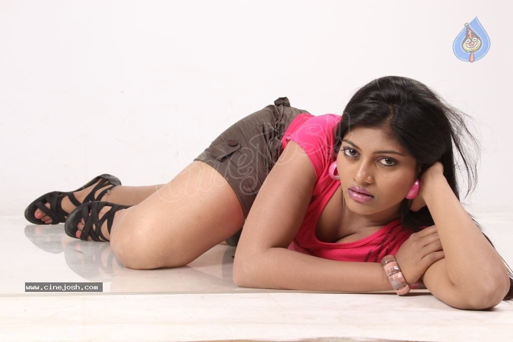 soumya hot photos   photo 5 of 115