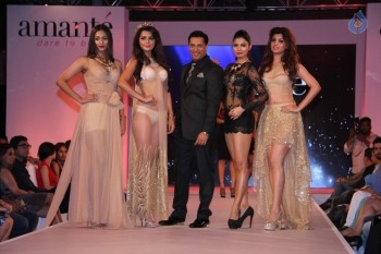 Madhur Bhandarkar Calendar Girls Fashion Show Photos - 8 of 83