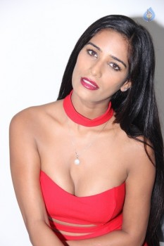 Poonam Pandey Hot Pics - 3 of 31