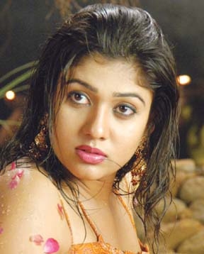 Nayanthara Sex Photos http://www.cinejosh.com/telugu-movie-news/522/nayantharas-benchmark.html