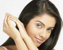 Asin cried before Salman for help