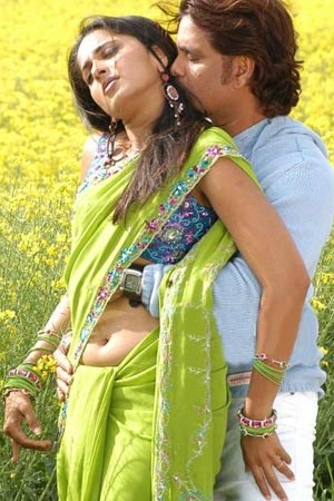 Anushka and Nagarjuna become red hot!