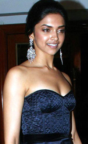 Deepika looses Dusky Appeal for Rajini