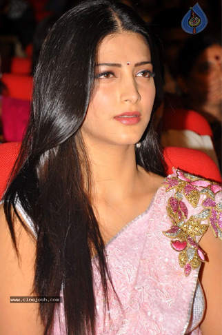Shruthi Hasan shocks Mega Fans