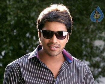 Allari Naresh to Level Chiru N Krishna!