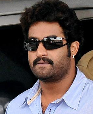 Ntr's Friendly Gesture to 'Naayak'?