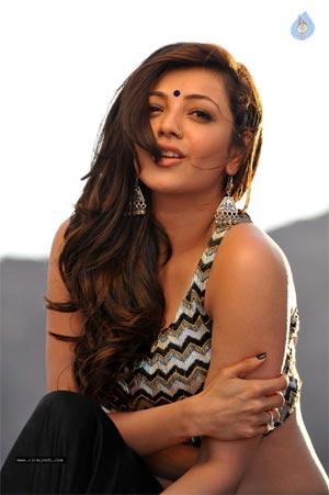 kajal agarwal hot show in kollywood