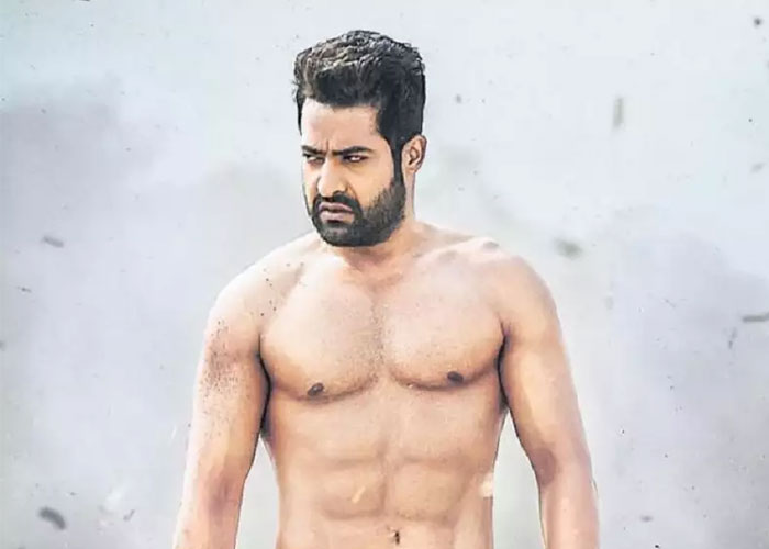 Aavinda Sametha Has No Threat from Other Films