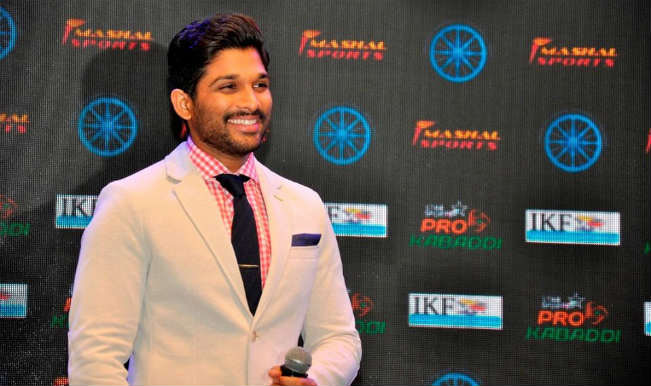 allu-arjun-sings-national-anthem-today