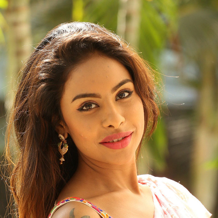 Common Man Writes a Letter to Sri Reddy