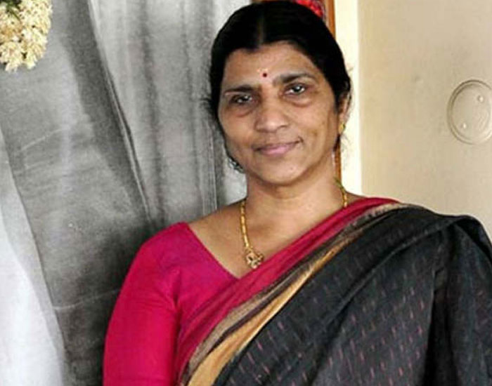 Lakshmi Parvathi Shocking Criticism on Balakrishna