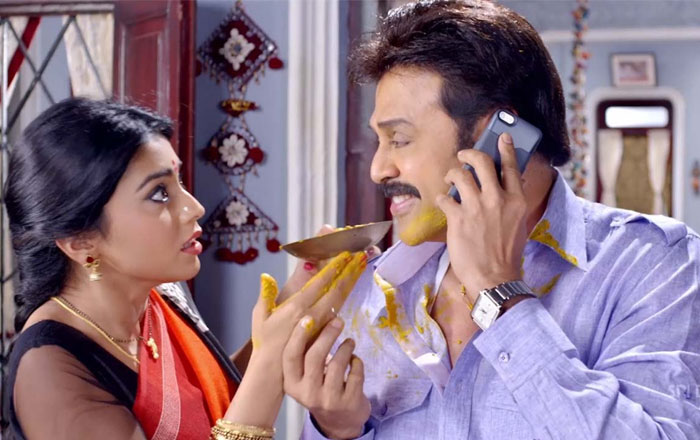Shriya to Pair up Venkatesh!