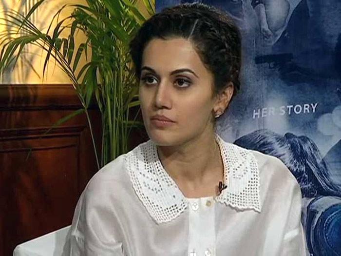 taapsee,director raghavendra rao,taapsee says sorry  ఈ అమ్మడు సారీ చెప్పింది అందుకేనా?