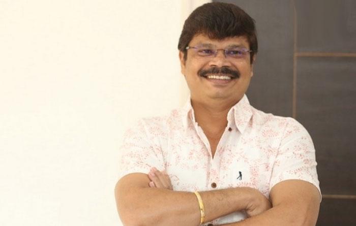 boyapati sreenu,director,vvr movie,interview,updates  చరణ్కు అభిమానినై చేశా: బోయపాటి