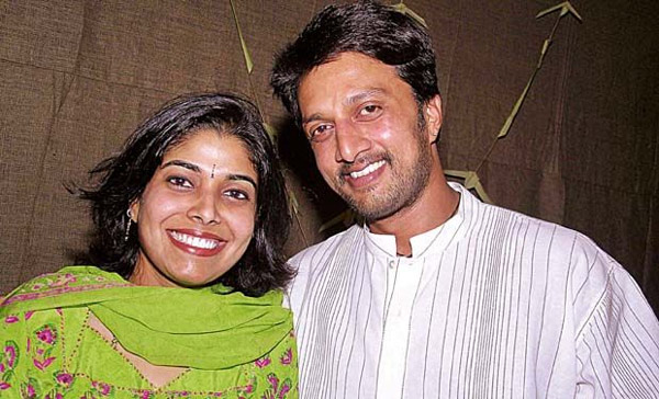 kannada star kichha sudeep,wife malayali priya radhakrishnan,apply to divers,sudeep priya daughter  ఇద్దరు తమ మనసు మార్చుకున్నారంట..!