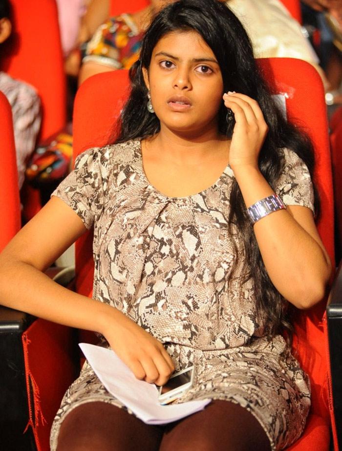 puri jagannadh,daughter pavithra,pavithra fires on media,drug scam  పూరి.. కూతురు పవిత్ర లైన్లోకొచ్చింది..!