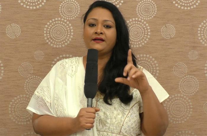 shakeela,250th film title,controversy,seelavathi movie,censor troubles  షకీలా అస్సలు ఒప్పుకోనంటుంది..!