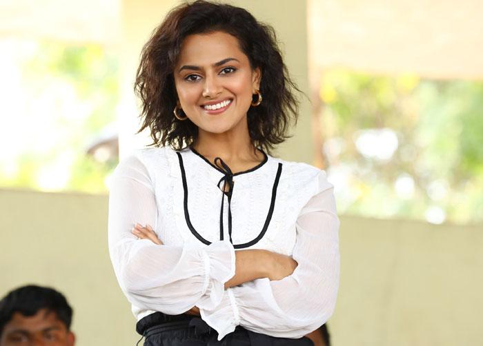 shraddha srinath,jersey movie,nani,interview,updates  'జెర్సీ' భావోద్వేగాలతో నిండి ఉంటుంది : శ్రద్ధ శ్రీనాథ్