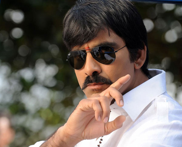 tollywood hero ravi teja,producer dil raj,director anil ravipudi,ntr,ravi teja new two movie comming  మాస్‌ మహారాజా డిసైడ్‌ అయ్యాడు..!