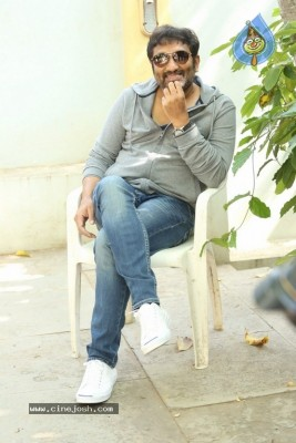 Srinu Vaitla Interview Photos