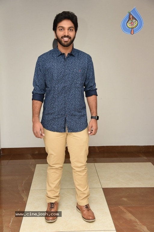 4 LETTERS Movie Hero EASWAR Interview Photos - 6 / 10 photos