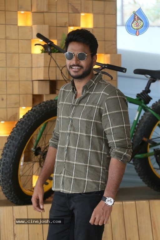 Sundeep Kishan Interview Photos - 14 / 21 photos