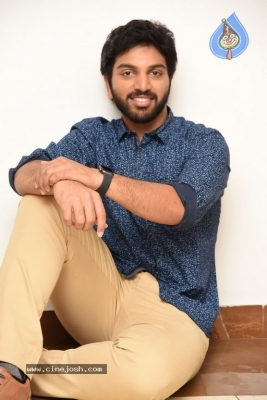4 LETTERS Movie Hero EASWAR Interview Photos - 5 of 10