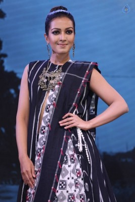 Catherine Tresa at Woven 2017 Fashion Show :08-08-2017