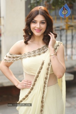Mehreen Pirzada Photos