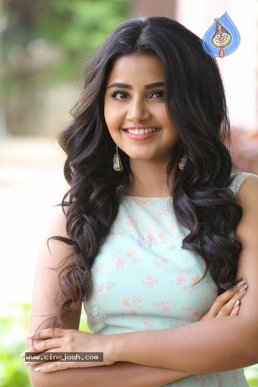 Anupama Parameswaran New Pics - 9 / 41 photos