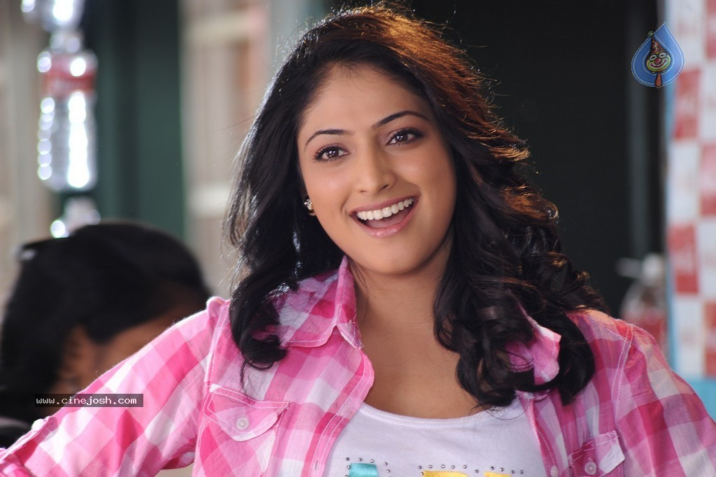 Picture 788550 | Actress Haripriya in Ee Varsham Sakshiga
