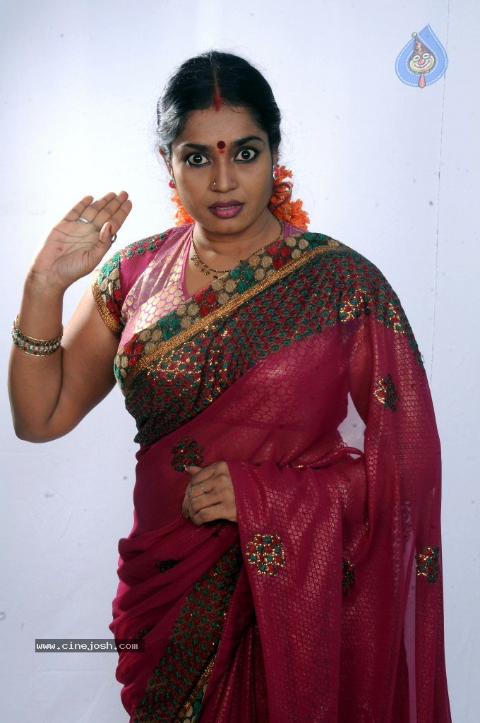 Jayavani New Stills - 18 / 29 photos