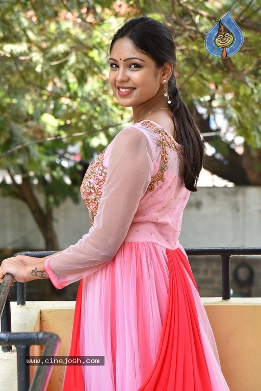 Lavanya Photos - 7 / 20 photos