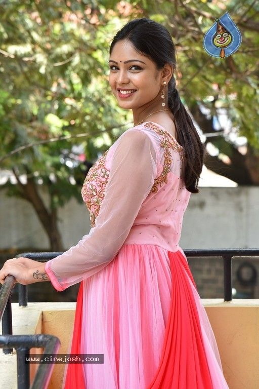 Lavanya Photos - 8 / 20 photos