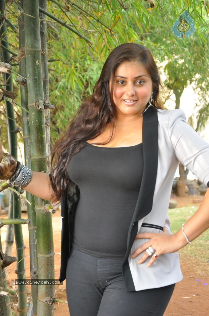 Namitha Hot Stills 55 60 Photos