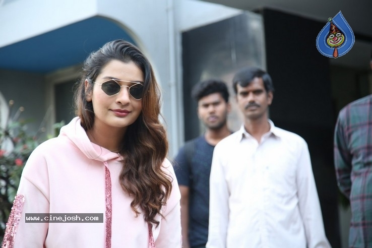 Payal Rajput Stills - 19 / 37 photos