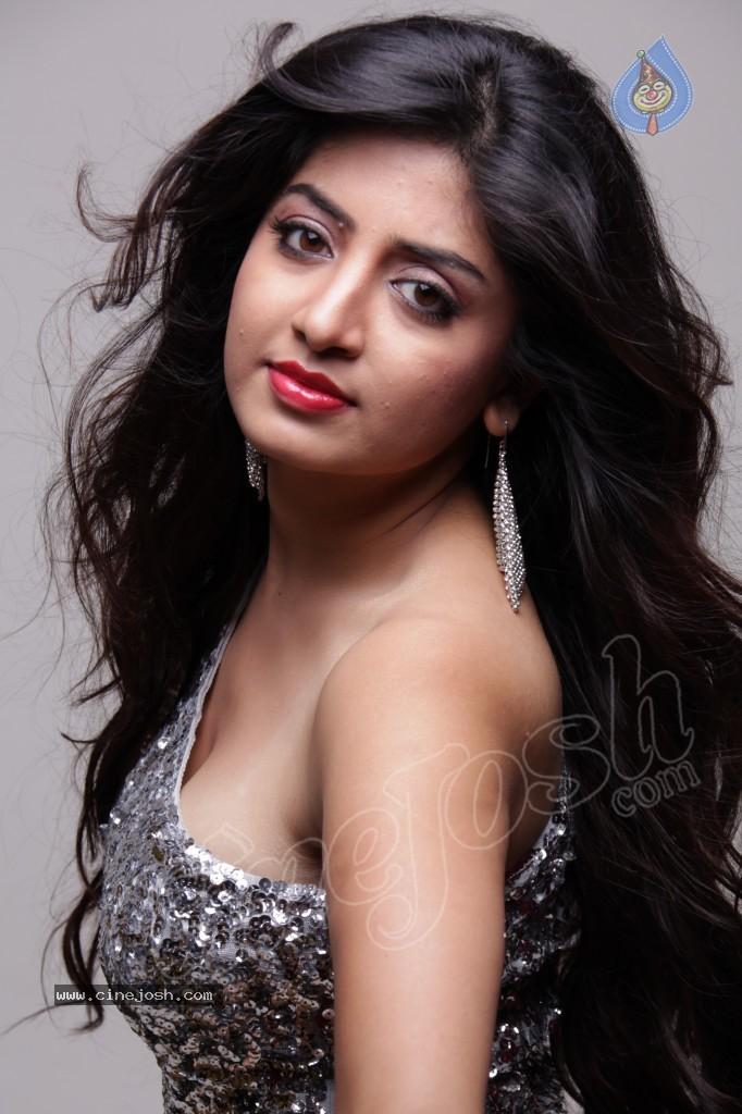 Poonam Kaur Hot Wwwpicswecom
