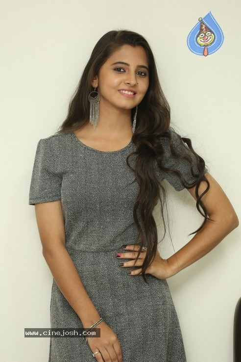 Preethi Asrani Stills - 3 / 21 photos