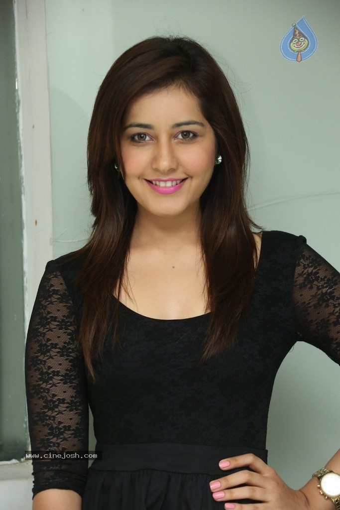 Rashi Khanna New Photos - 18 / 64 photos