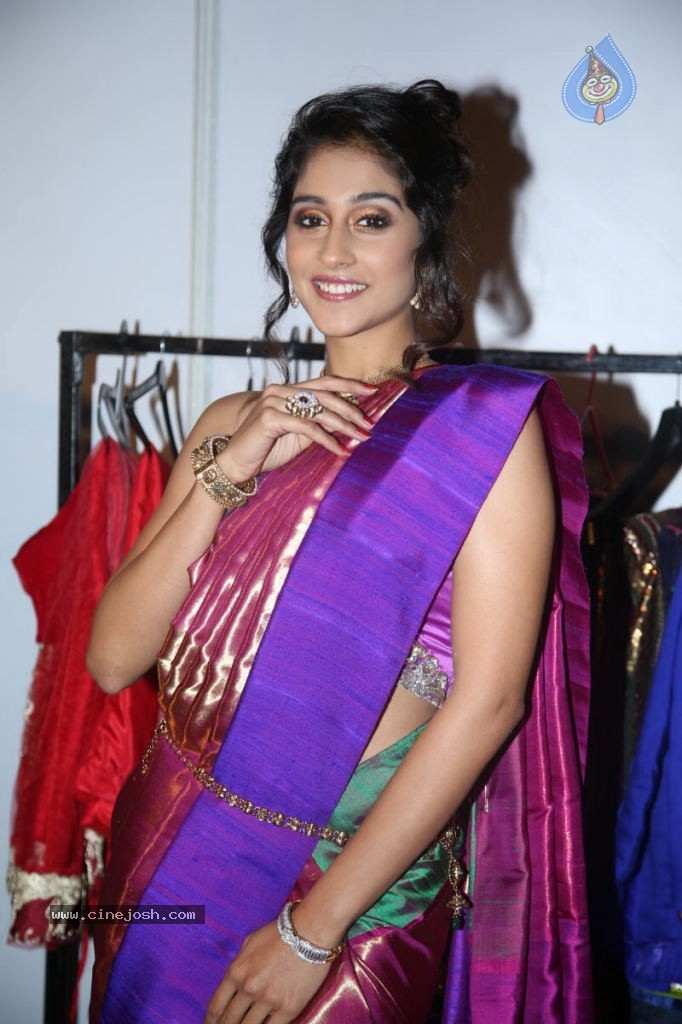 Regina Cassandra Gallery - 148 / 157 photos